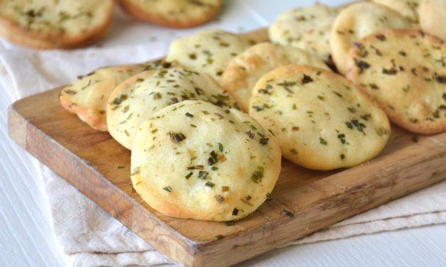 Pizzette alle erbe – Mini-pizza's met kruiden