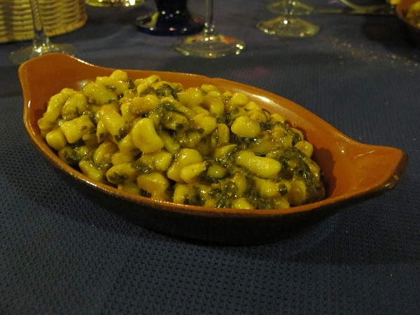 Caratelli agli orapi – Pastaballetjes met groentesaus