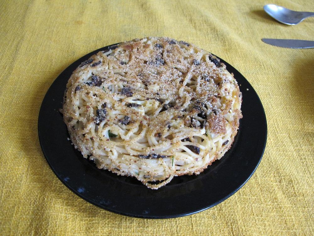 Timballo di spaghetti e funghi al forno – Spaghettitaartje met paddenstoelen
