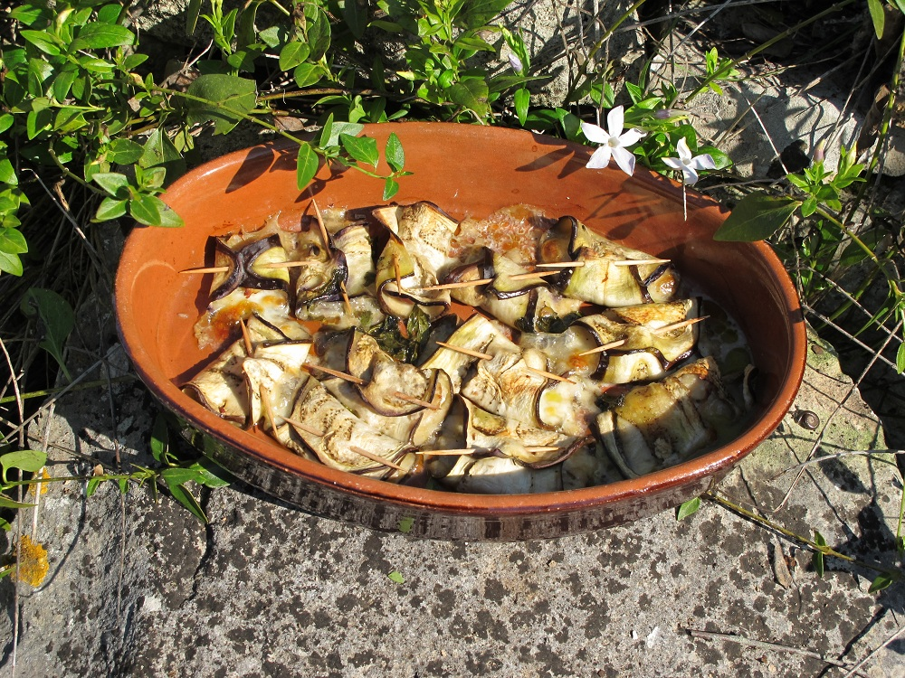Involtini di melanzane alla menta – Auberginerolletjes met munt