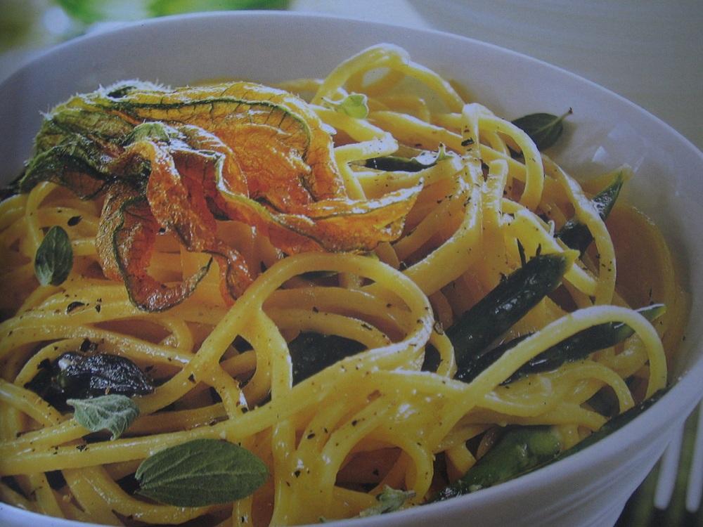 Spaghetti con fiori di zucca – Spaghetti met courgettebloemen