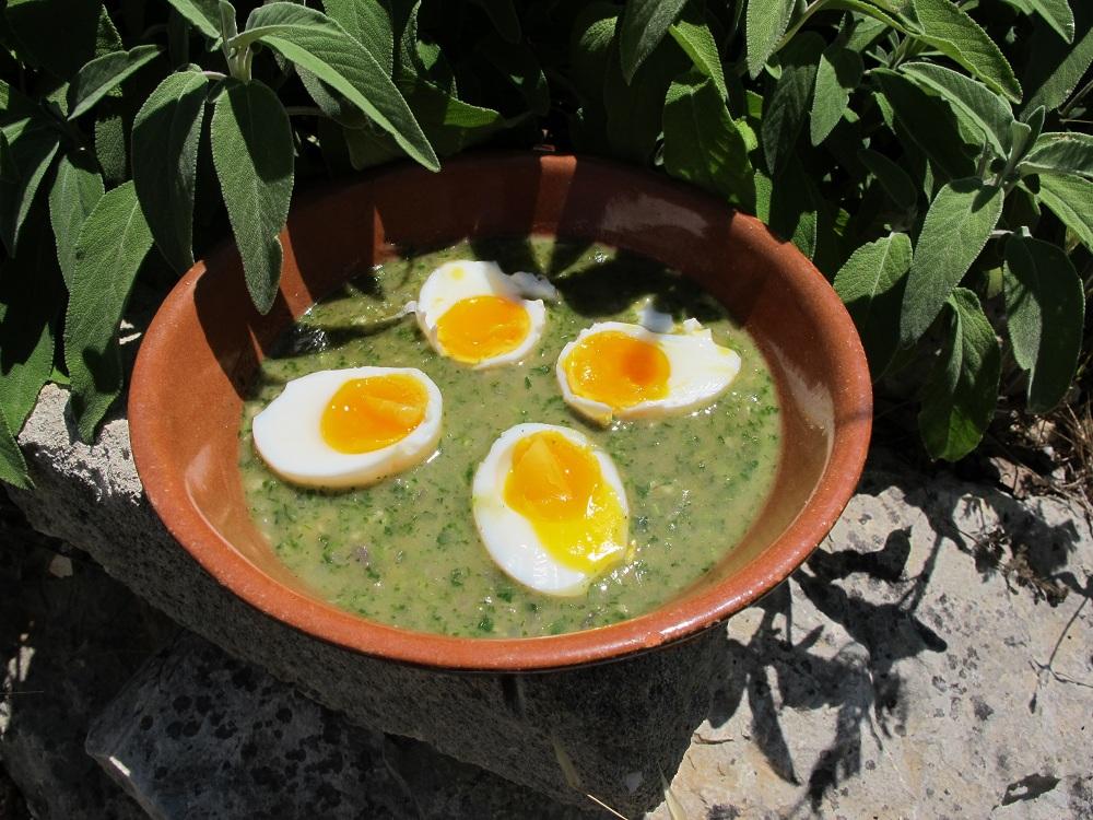 Uova in salsa verde – Eieren op een groen bedje