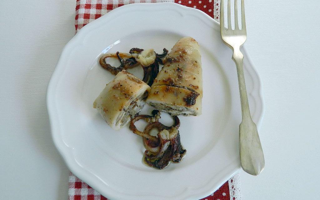 Calamaretti al radicchio – Pijlstaartinkvisjes met radicchio