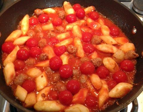Asparagi con polpette di carne e pomodorini – Asperges met gehaktballetjes en pomodorini