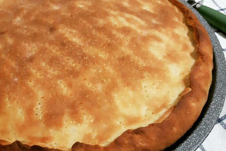 Focaccia con le cipolle – Plat brood met uienvulling