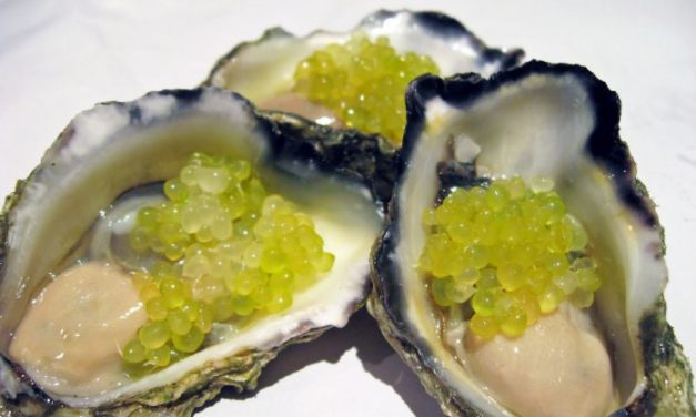 Ostriche con finger lime – oesters met finger lime