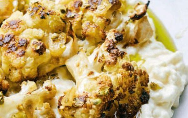 Labaniet alzahar – Rijst met yoghurt, geroosterde bloemkool en gebakken knoflook